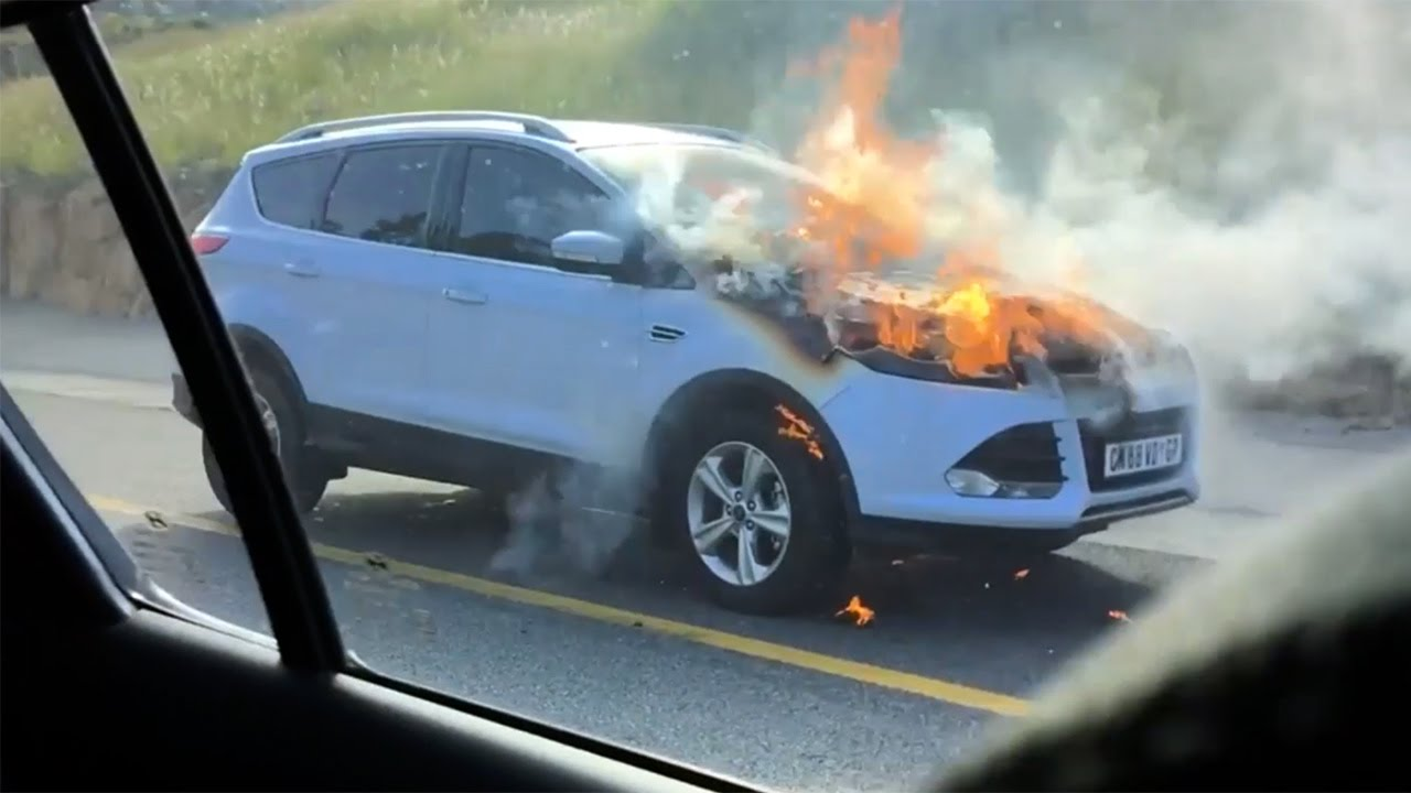 ford kuga, ford, engine, fire